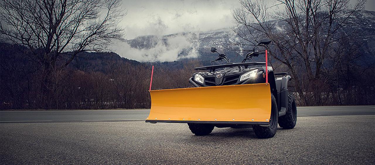 CF Moto inklusive Pflug € 5500,-